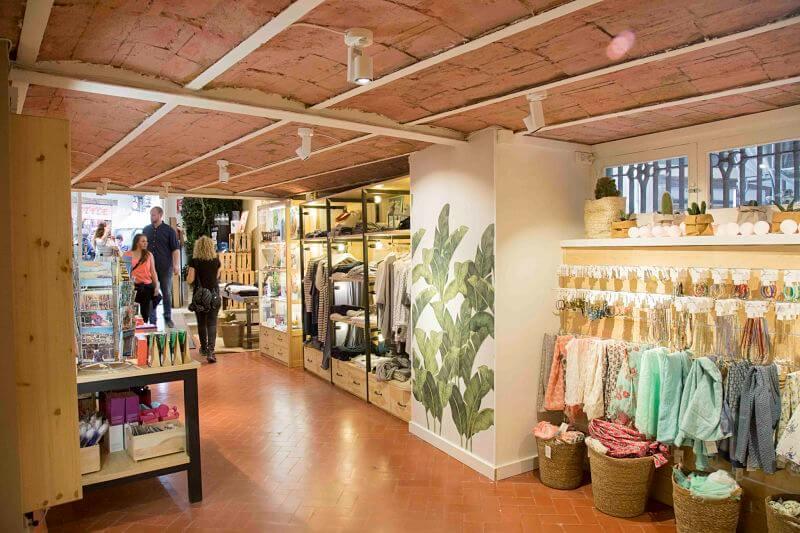 Dise o de locales comerciales barcelona y mallorca - Diseno locales comerciales ...