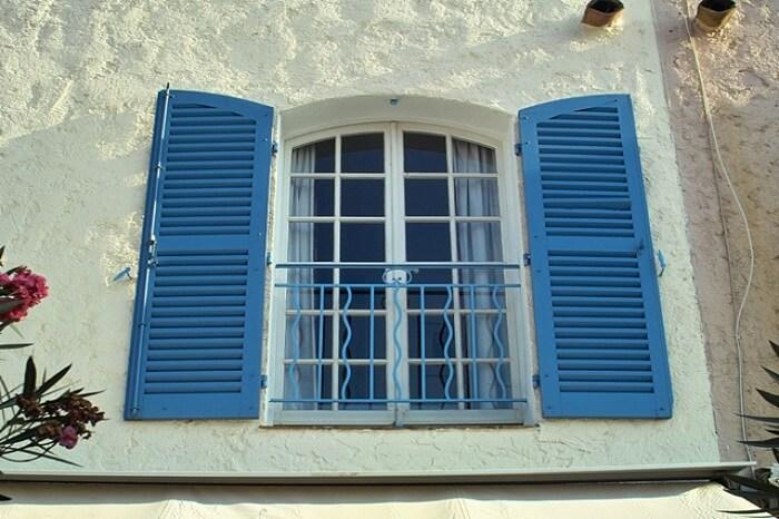 persiana mallorquina para limpiar en fachada